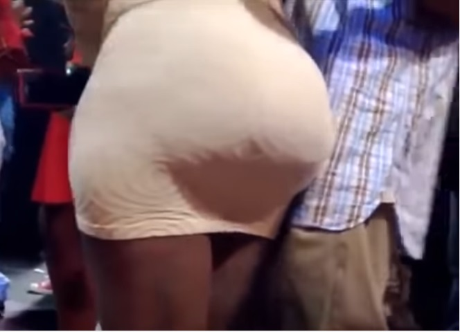 Do African men like ladies' with big booty? See what this man is doing (video)