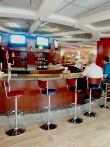 CIncinnati Reds Diamond-lounge-bar