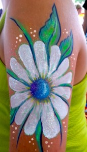 Daisey body paint