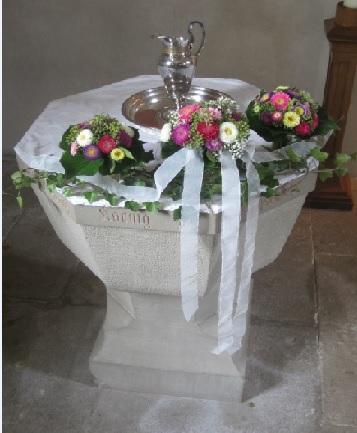 Taufe  Evangelische Kirchengemeinde Fachsenfeld