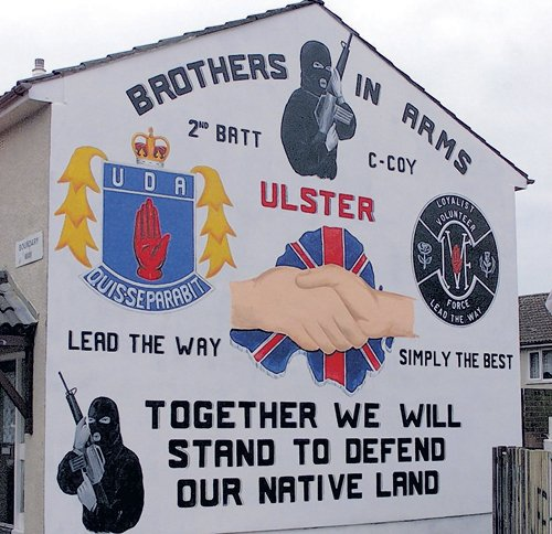 Brothers-in-arms mural CAIN; source: http://cain.ulst.ac.uk/mccormick/photos/no1664.htm#photo