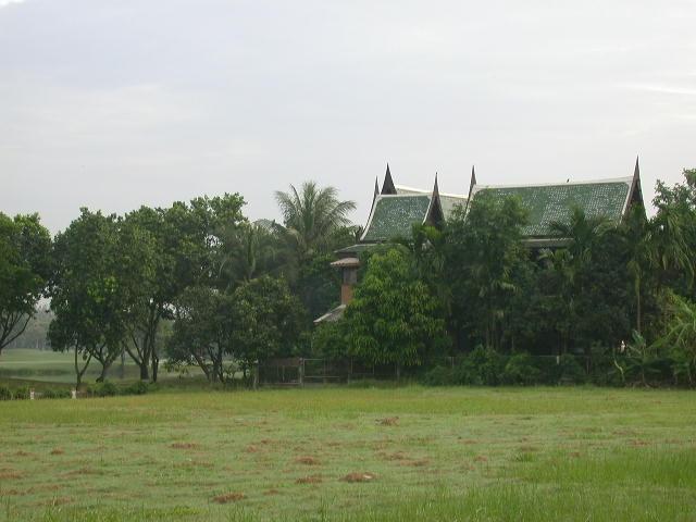 บ้านทรงไทย ในสนามกอล์ฟ