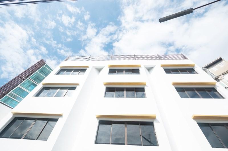 出售火車5號樓Ladprao 128,面積58平方米,850平方米。 Lat Phrao BTS站101/128 *用於商業建築,辦公室,酒店