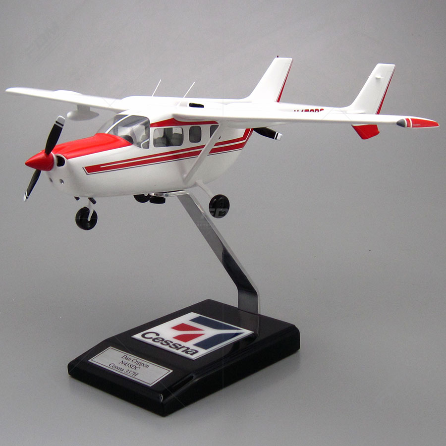 Cessna 337 Skymaster Model with Detailed Interior