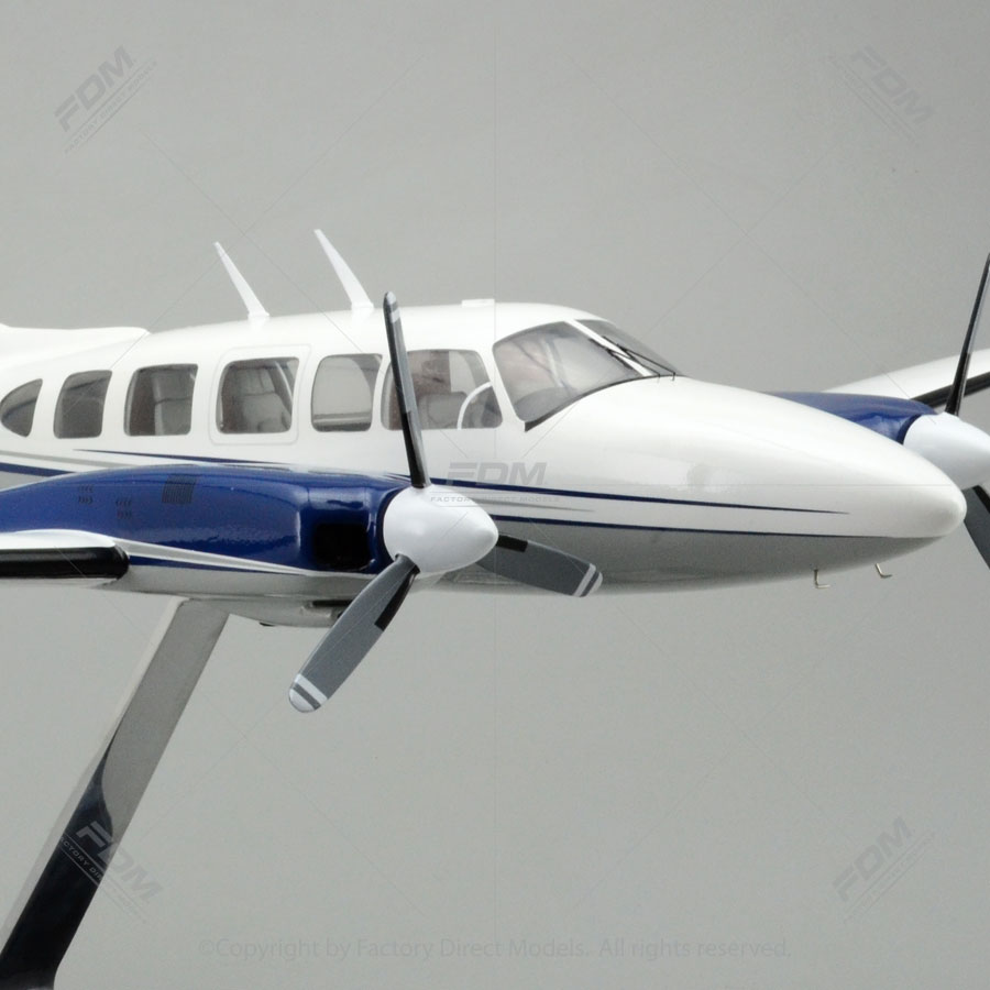 Piper PA31350 Navajo Chieftain Model with Detailed Interior