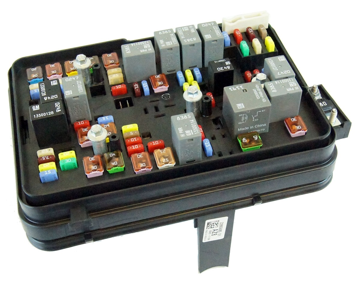 hight resolution of gm 22865685 2011 2012 gmc terrain equinox 2 4l engine compartment fuse block box relays