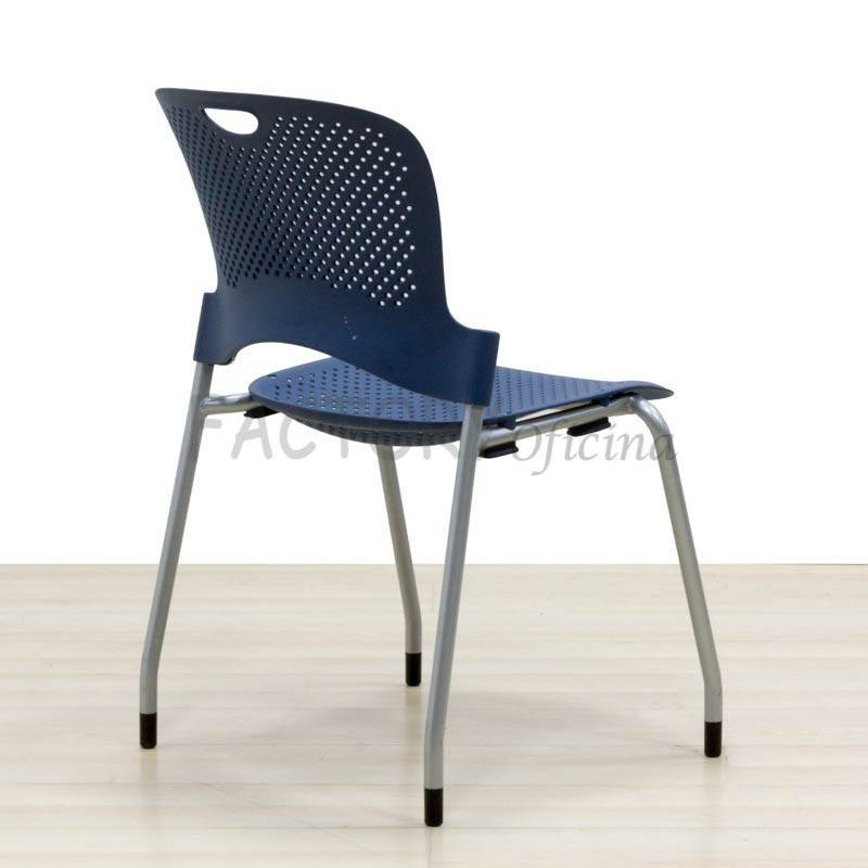 Silla Confidente HERMAN MILLER Asiento fabricado en ABS perforado color Azul