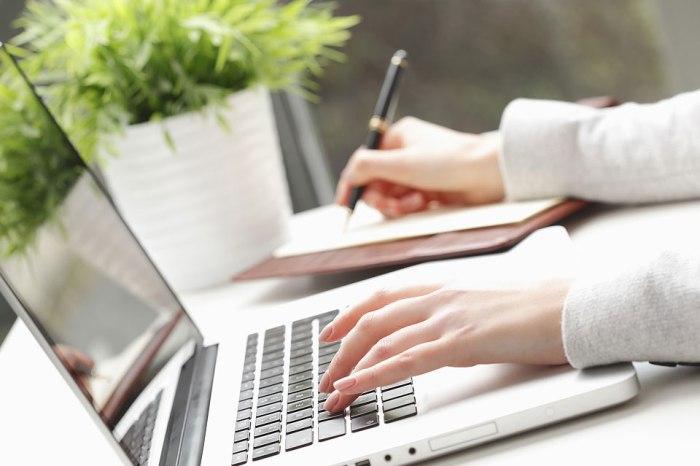 La obligación de llevar o presentar la contabilidad electrónica