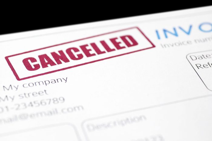 ¿Si cancelo una factura, deja de ser deducible?