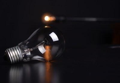La luz sube de nuevo en junio: el recibo del usuario medio será un 9,1% más caro que hace doce meses