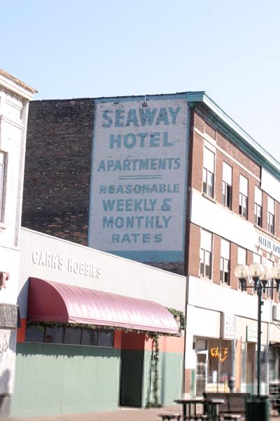 Seaway Hotel - Duluth, MN - © Bob Kisken