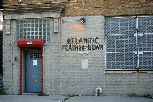 Atlantic Feather - Morgan Avenue, Bushwick - © Vincenzo Aiosa