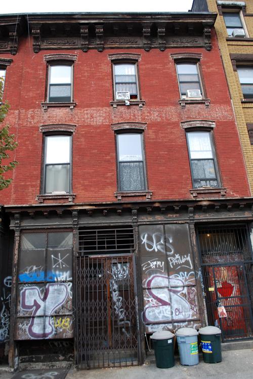 99 Montrose Avenue - © Frank H. Jump