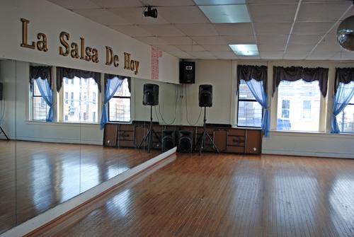 La Salsa de Hoy Dance Studio - ©Frank H. Jump
