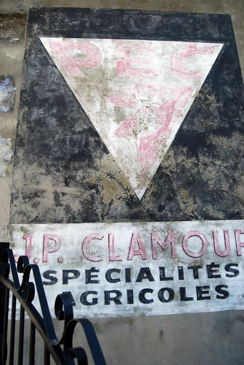 J.P. Clamour - Spécialités Agricoles - © Frank H. Jump