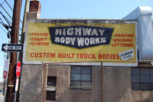 Highway Body Works - Tonnelle Avenue - No. Bergen, NJ - © Vincenzo Aiosa