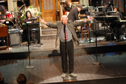 Don Pardo welcoming the audience before the show & before they announce that cameras would be confiscated. Oops!