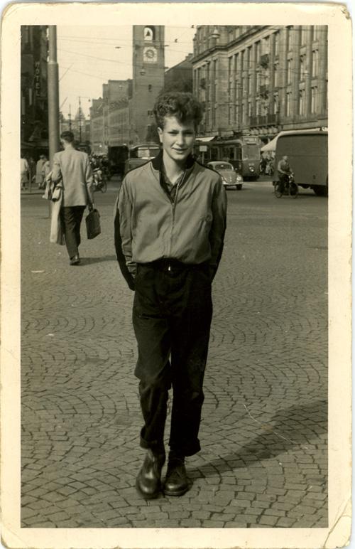 Frans Broekveldt III - Adolescent in the Dam Square