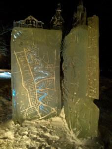 J'ai creusé la glace blanche à l'arrière du bloc de la carte afin de laisser passer la lumière bleue.