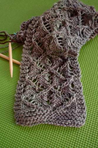 free knitting pattern   Evie's Dream Scarf   faerwear