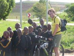 zz-Radreisen-African-Bikers-Radler-und-Kids
