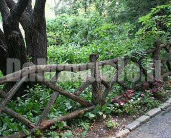 Come piantare i pali di una recinzione