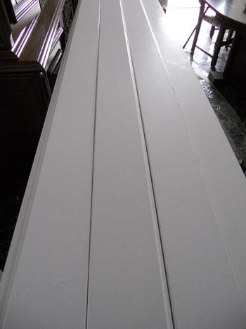 Verniciare le perline in legno di bianco