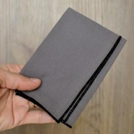 Fair - mouchoir en tissu gris foncé