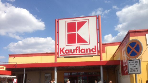Kaufland is believed to need at least 15 to 20 stores to make its Australian investment viable .