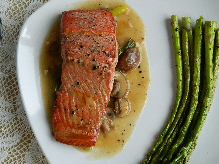 Lemon Pepper Salmon with Garlic Mushroom Sauce