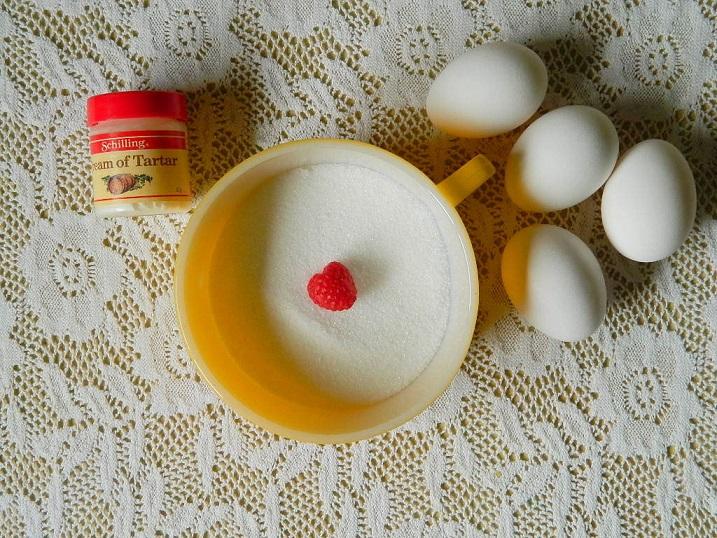 Tattooed Martha - Raspberry Filled Vanilla Cupcakes (3)