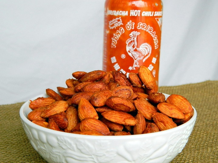 Sweet and Spicy Sriracha Almonds