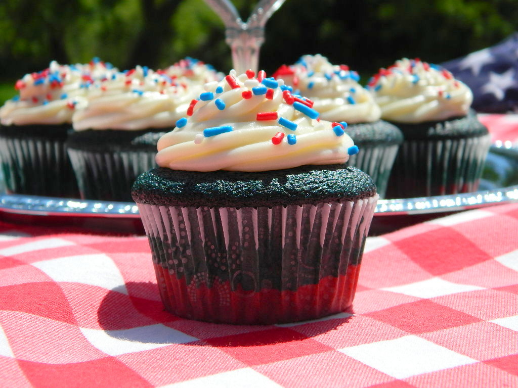 Red and Blue Velvet Cupcakes with Vanilla Buttercream Frosting