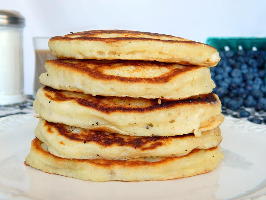 Tattooed Martha - Fluffy Buttermilk Pancakes with Homemade Blueberry Sauce (9)