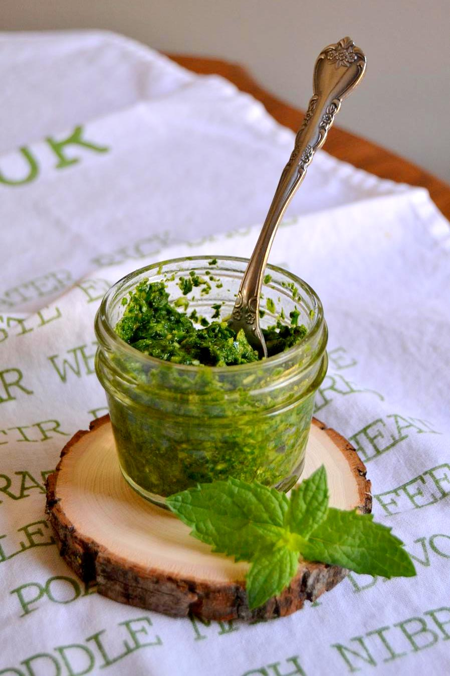 Garden Fresh Mint Pesto