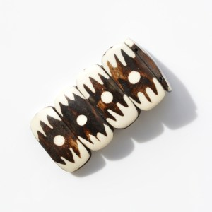 Fair Trade Bone batiked chunky bracelet – dot JBB011c
