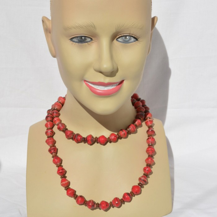Fair Trade Recycled magazine bead necklace red JNRr