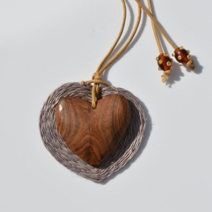Fair Trade Sisal pendant zazi heart browns – JPSzh