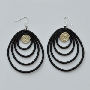 Fair Trade Sisal earrings – teardrop, black/white JEStb