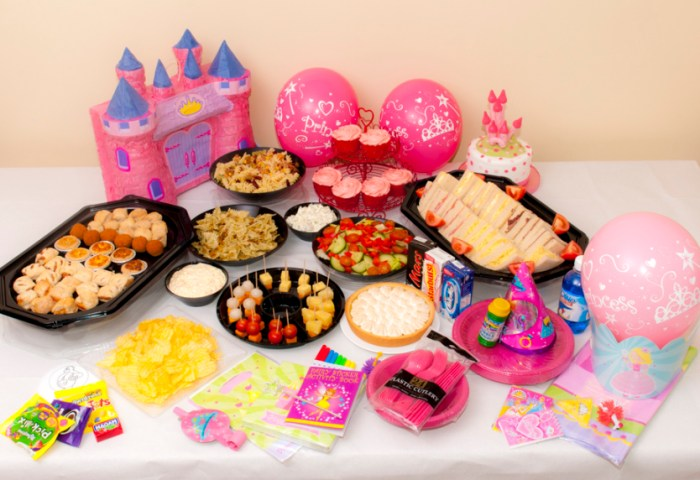 Fairway Cakes Cakes Cupcakes Cake Pops And Candy Cart Hire