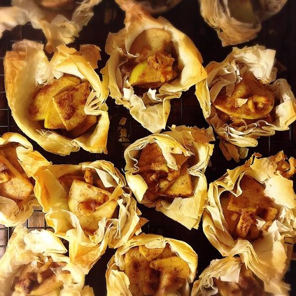 cinnamon apple phyllo tarts