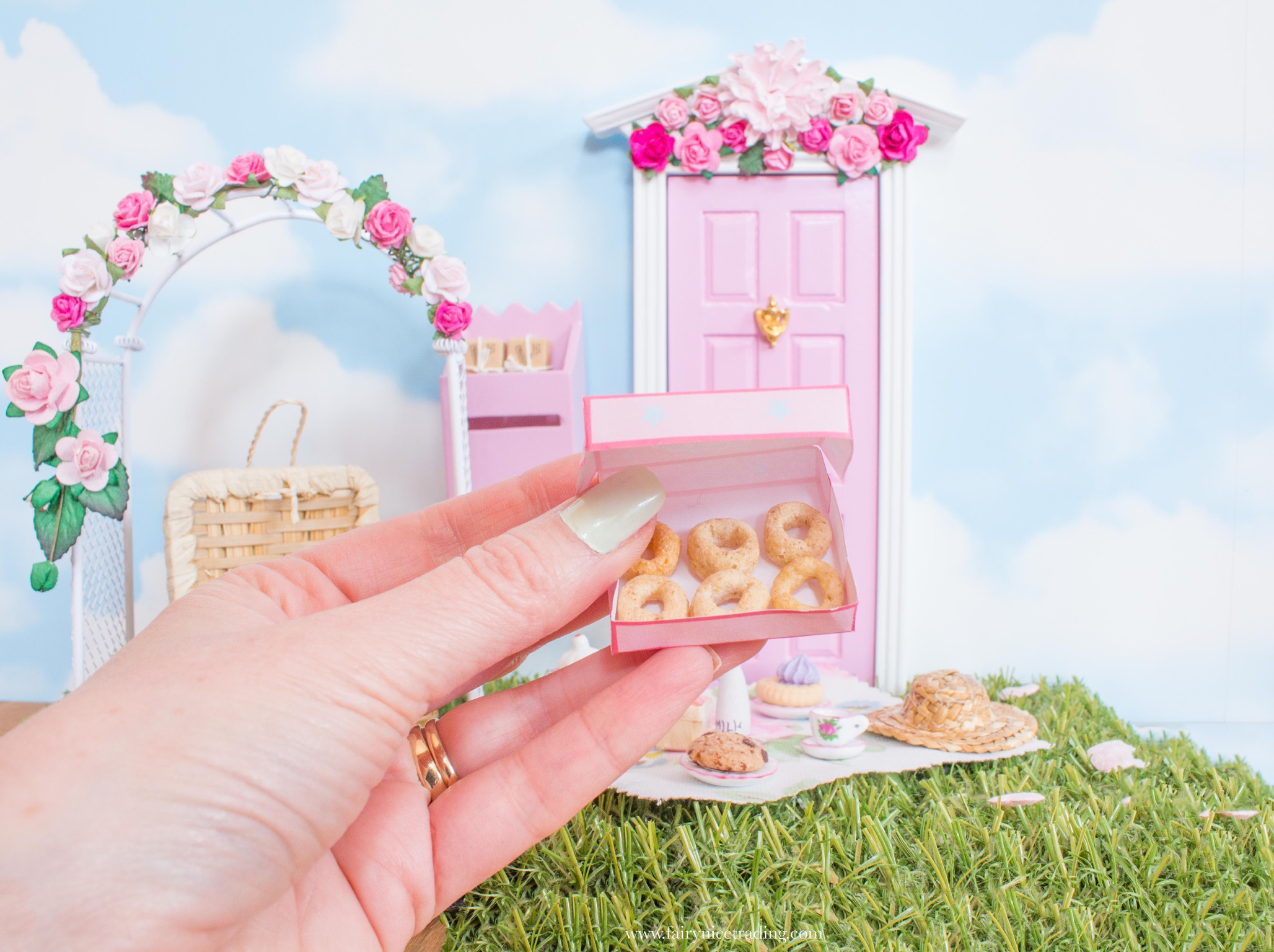 miniature fairy donuts