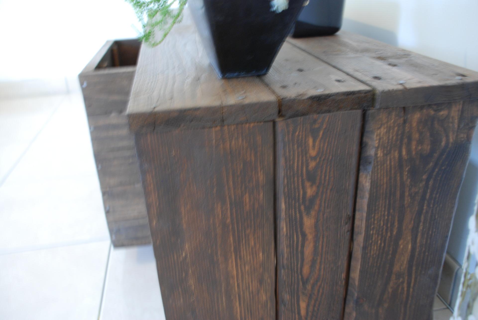 meuble tv fait avec du bois de palette