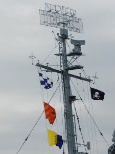 jolly roger flag on uss kidd