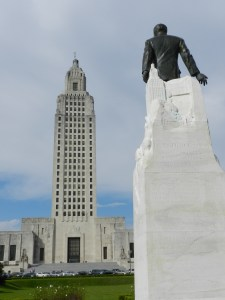 huey long looks at LA state capitol