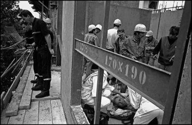 Lyon avril 2004 10H35, accident de travail sur un chantier du centre ville de Lyon, l'assistance du Smur à été nécéssaire pour cette intervention.