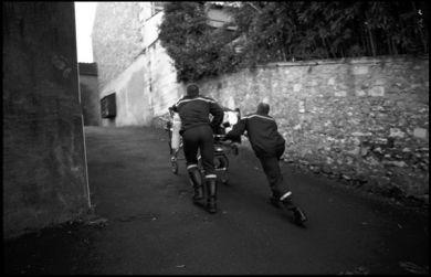 Angoulême, décembre 2003, brancardage urgent, tentative de suicide