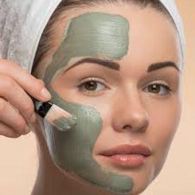 use a brush for mud mask faiza beauty cream
