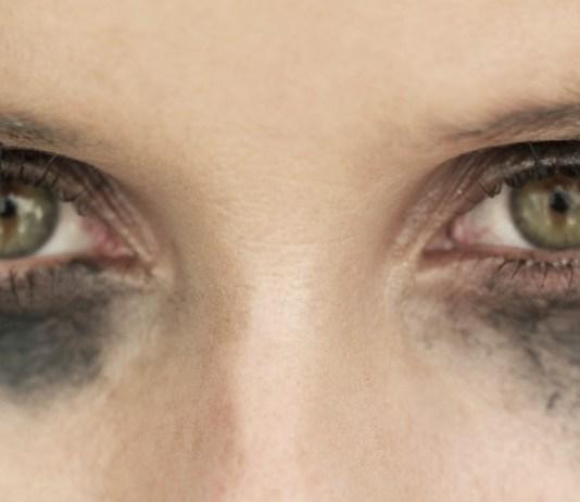 prevent eyeliner from running