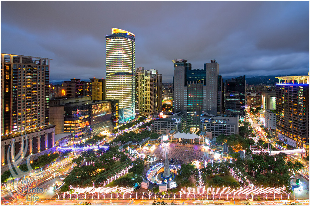 20181117新北市歡樂耶誕城.光雕投影